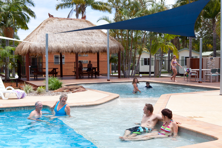 Yamba: Blue Dolphin Holiday Resort (sleeps up to 6)