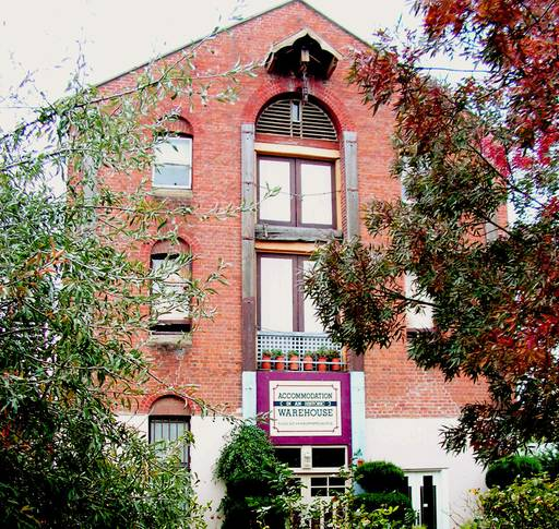 Bathurst: Accommodation (in an historic) Warehouse (sleeps up to 5)