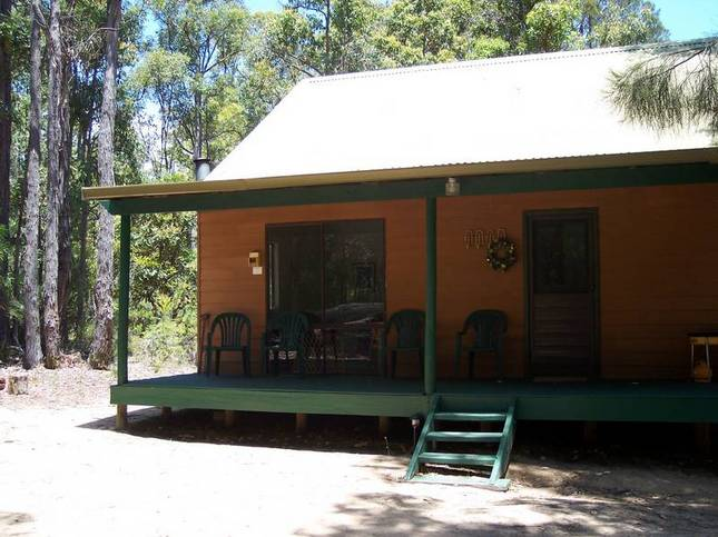 Nannup: Loose Goose Chalets (sleeps  up to 8)