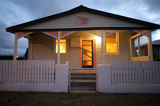 Ulverstone: The Spotted Salmon Cottage (sleeps up to 8 + baby)