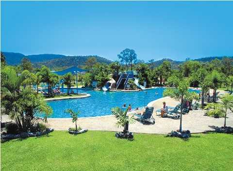 Airlie Beach: Big4 Adventure Whitsunday Resort (sleeps up to 8)