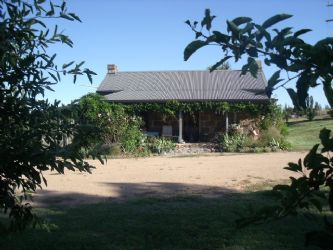 Cooma: Woodvale Cottage (sleeps up to 7)